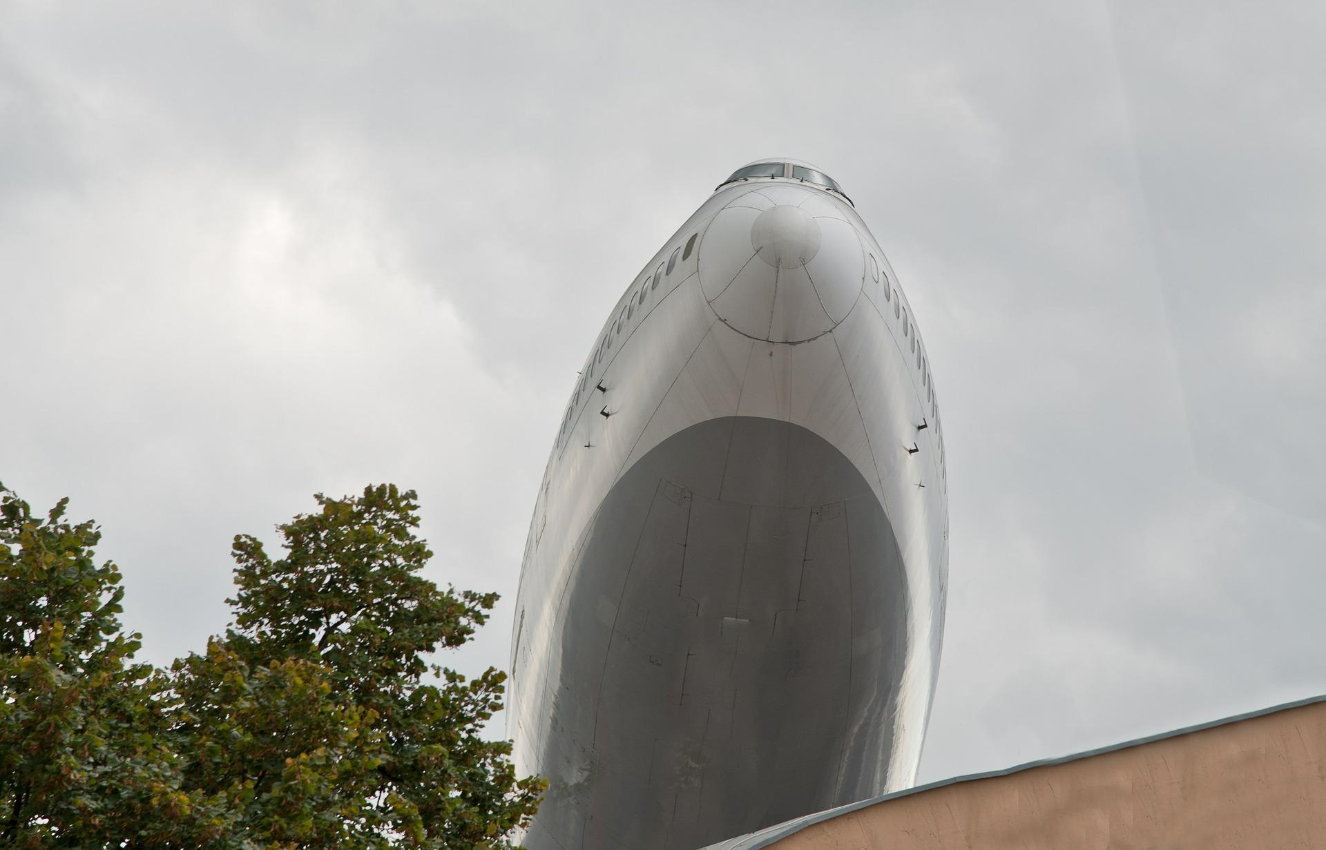 Boeing747 steigt empor